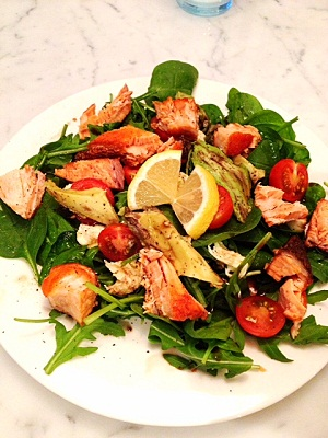 Crispy salmon salad small